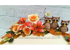 Autumnal-themed Cake with Owls