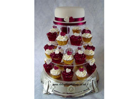 Ivory & Burgundy Wedding Cupca